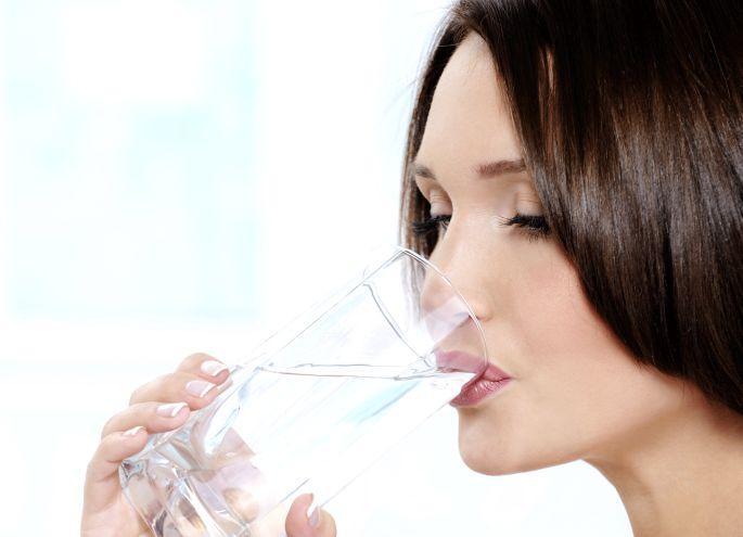 Günde en az 8 bardak su