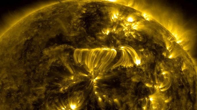 Güneş'teki dev patlama böyle görüntülendi