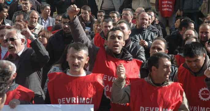 Hacettepe'de 3 işçi daha atıldı