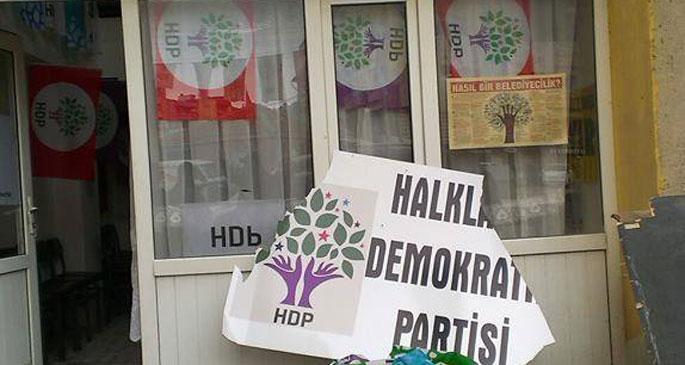 HDP Soma ilçe binasına saldırı