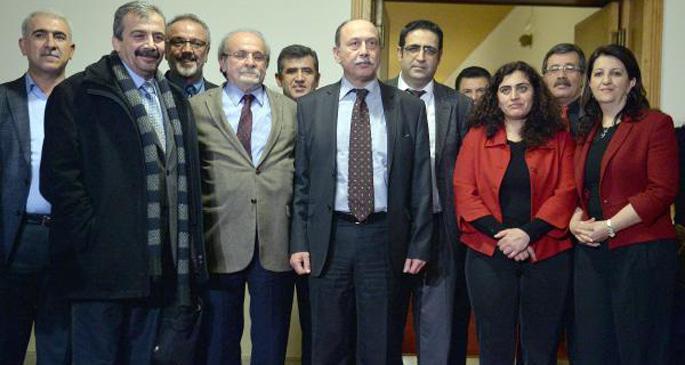 HDP\'li vekiller Mecliste açlık grevine başladı