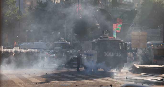 Her yerde eylem ve polis saldırısı vardı
