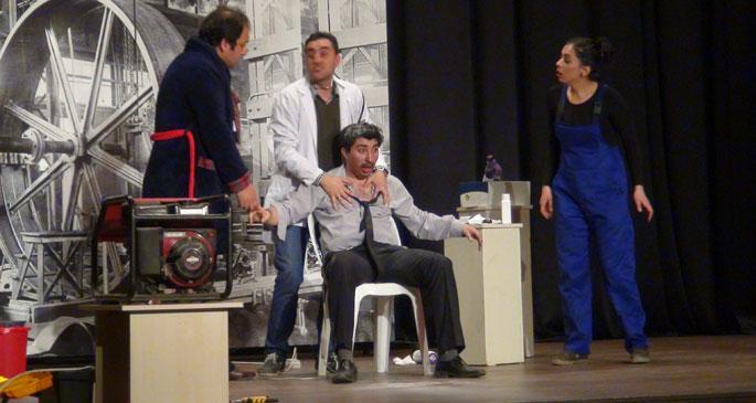 İşçi tiyatrosundan 'Japon Kuklası'
