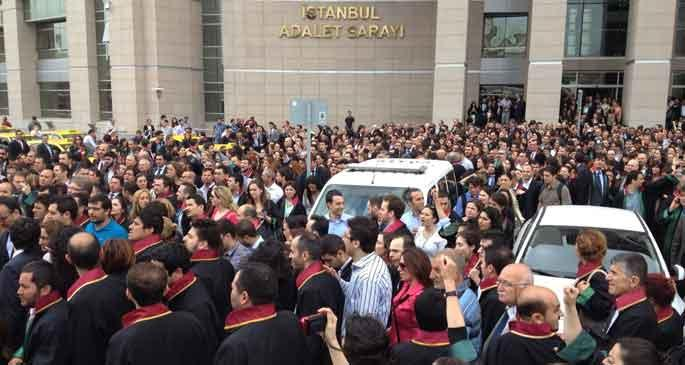 İstanbul Barosu: Hükümet kendini ailelerin yerine koyamaz