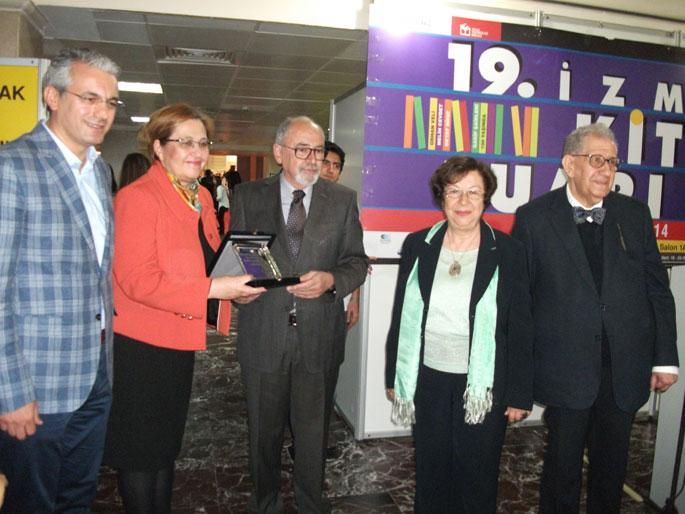 İzmir Kitap Fuarı\'nın onur konuğu Feyza Hepçilingirler