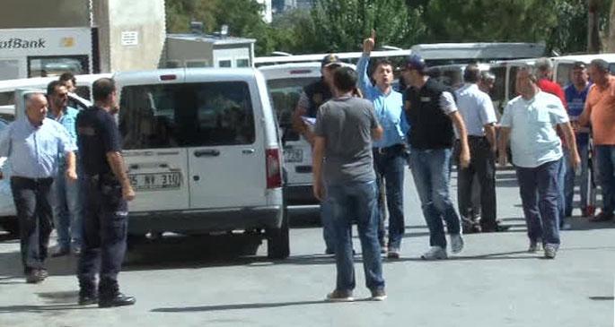 İzmir Valiliği: 25 emniyet görevlisi gözaltına alındı
