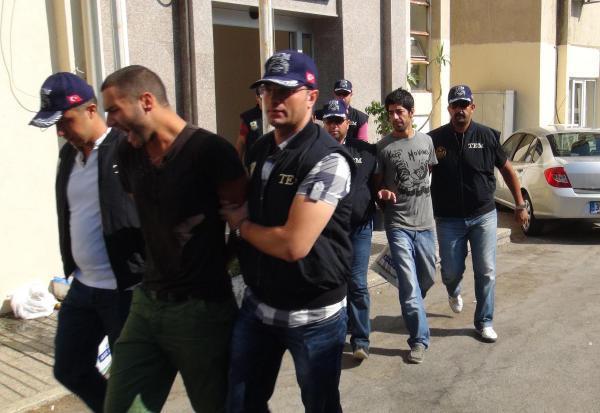 İzmir\'deki Gezi davasında 2 kişi tahliye edildi