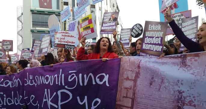 Kadınlar, AKP\