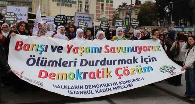 Kadınlar barış için yürüdü