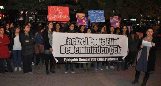 Kadınlar polis tacizini protesto etti