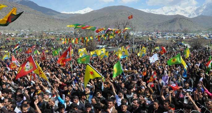 Kandil\'de Newroz kutlandı