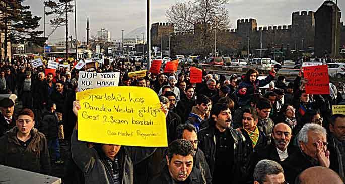Kayseri\'de 3 bin kişi yolsuzluğa karşı yürüdü