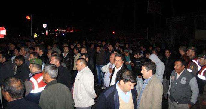 Kazaları protesto için yol kapattılar