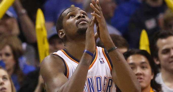 Kevin Durant başka bir dünyada!