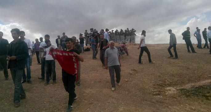 Kobanê de IŞİD, Suruç'ta devlet saldırıyor