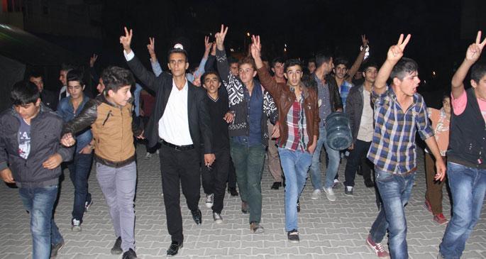 Kobanê için halk sokaklara döküldü