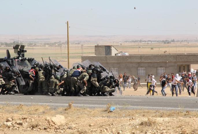 Kobane hepimiz için direniyor