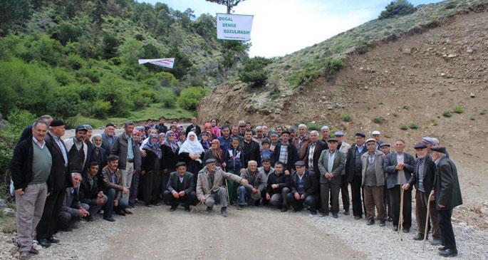 Köylüler taş ocağını protesto etti
