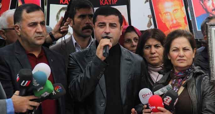Kürt'e zulüm eden rütbe aldı