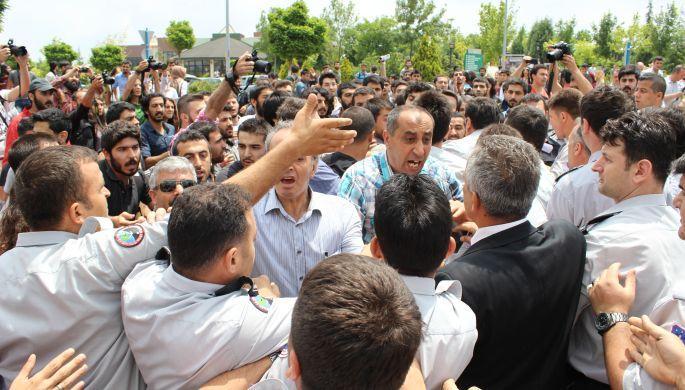 Lice için fakülte işgal eden 18 öğrenci gözaltında