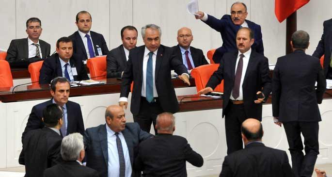 Meclis, MİT yasasını görüşmeye devam ediyor
