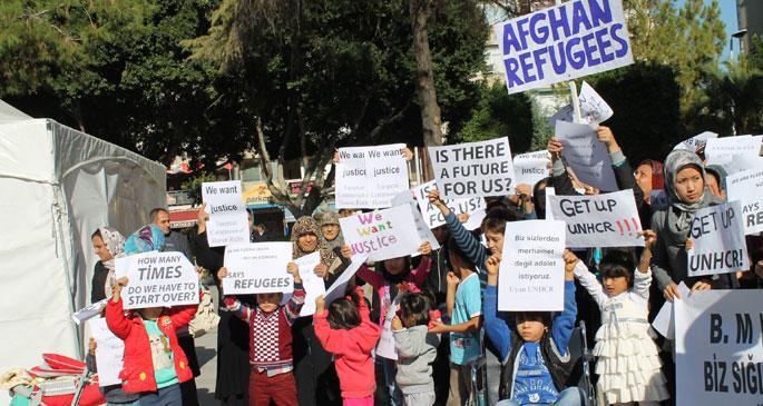 Mülteciler statü İstiyor