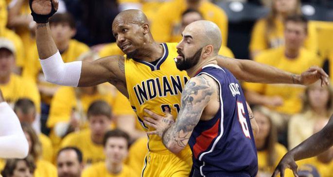 NBA'de Playoff sürprizlerle başladı