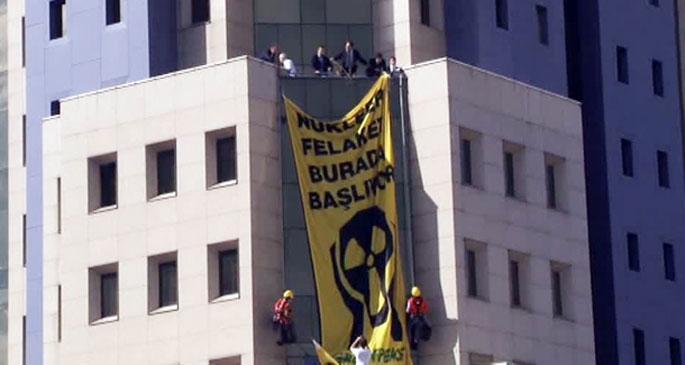 Nükleer zirveye Greenpeace protestosu