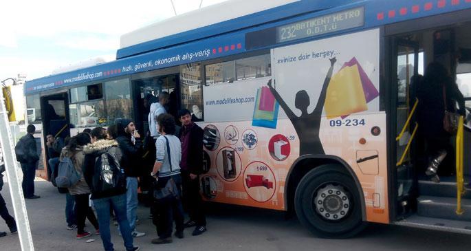 ODTÜ öğrencileri otobüs işgal etti