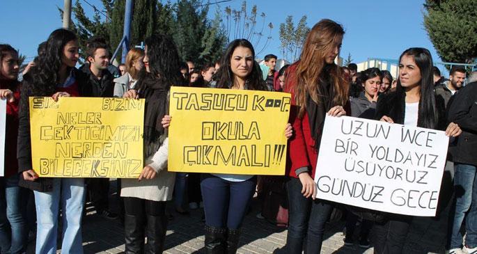 Öğrencilerden ulaşım protestosu