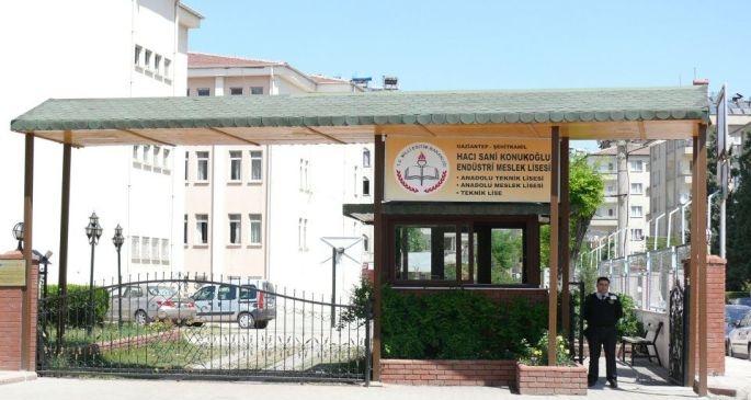 Okul-fabrika kıskacında meslek liseliler