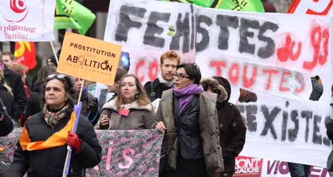 Paris'te 25 Kasım yürüyüşü