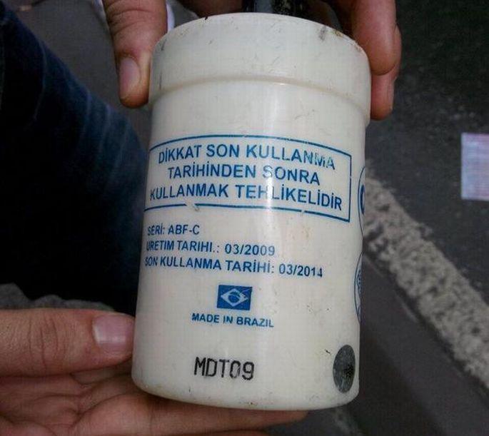 Polis, son kullanma tarihi geçmiş biber gazı kullanıyor