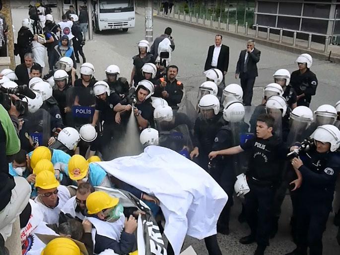 \'Soma\'da öldük, Yatağan\'da ölmeyeceğiz\' diyen işçilere saldırı