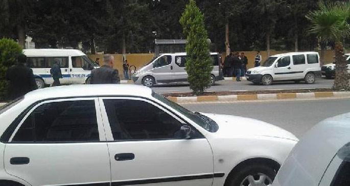 Reyhanlı\'da yolcu minibüsünde 10 tabanca ele geçirildi
