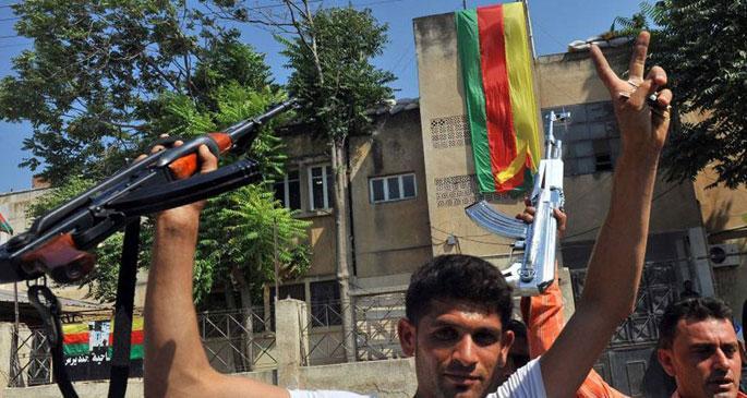 Rojavalılar Newroz'u işgal kaygısıyla kutluyor...