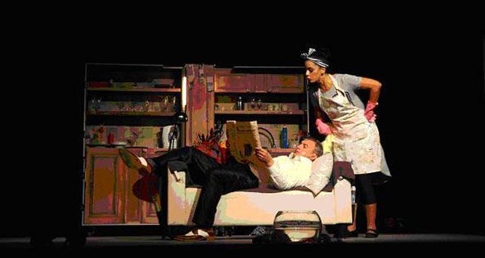Sanatın yeni sağlık ocağı tiyatro seyirlik