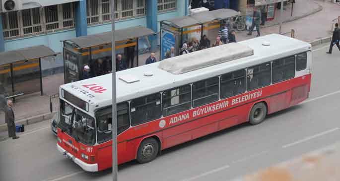 Sekiz mahalleye otobüs gitmiyor