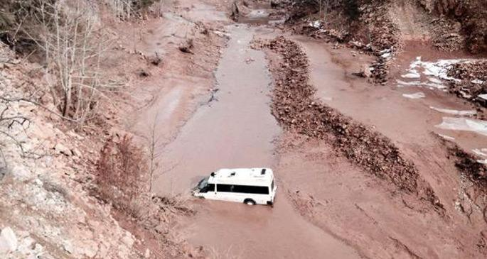Servis minibüsü kaza yaptı: 8 işçi öldü