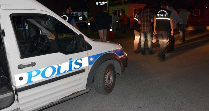 Polisle tartışan 2 çocuk vuruldu, biri hayatını kaybetti
