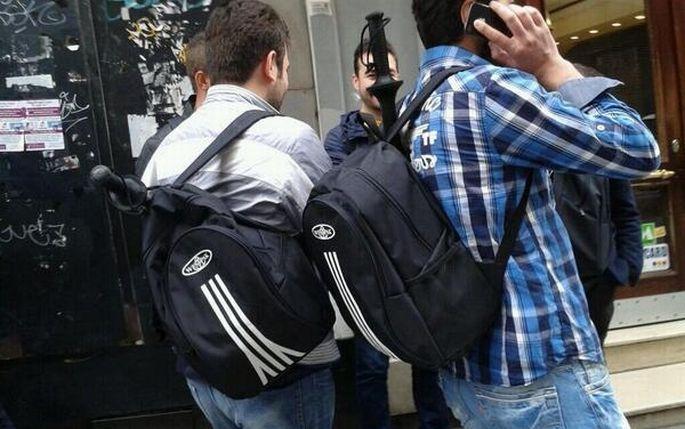 Copları çantalarına sığmıyor!