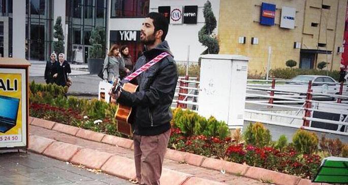 Sokakta canlı müzik
