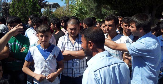 Suruç'ta provokasyon: Halka saldırdı, polis serbest bıraktı!