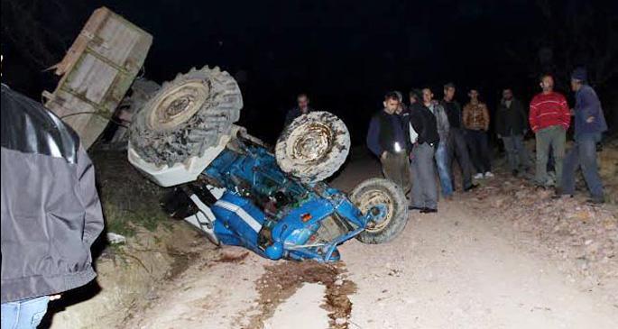 Tarım işçilerini taşıyan traktör devrildi: 1 ölü, 4 yaralı