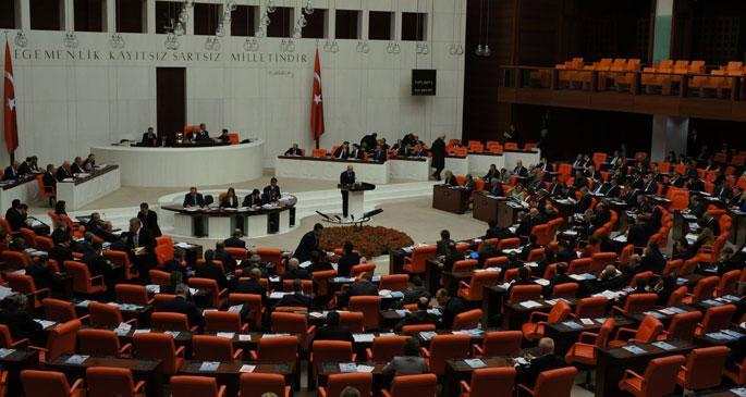 Erdoğan, 'istifa' seslerini önlemek için Meclisi kapattı