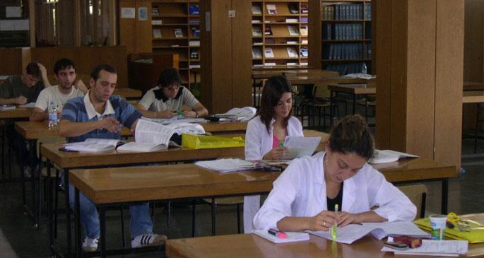 Tıp öğrencileri kaygılı