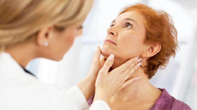 Tiroid bezi, sesinize zarar vermesin