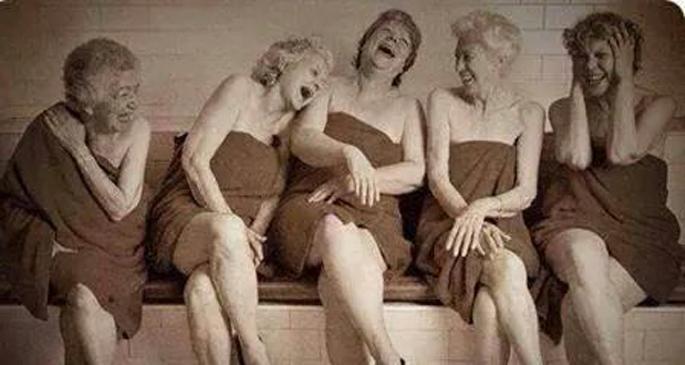 Tövbe etmeden gülmek...