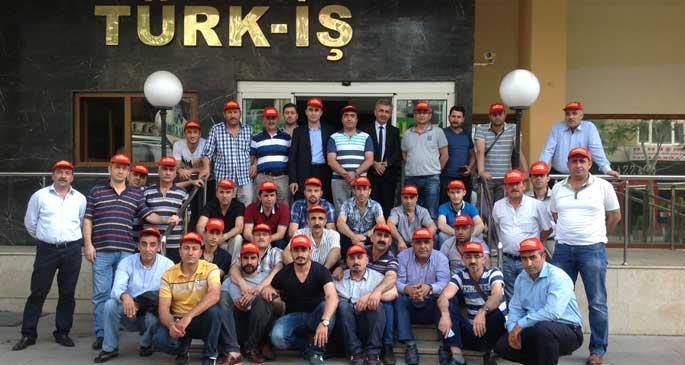 Türk-İş binasında \