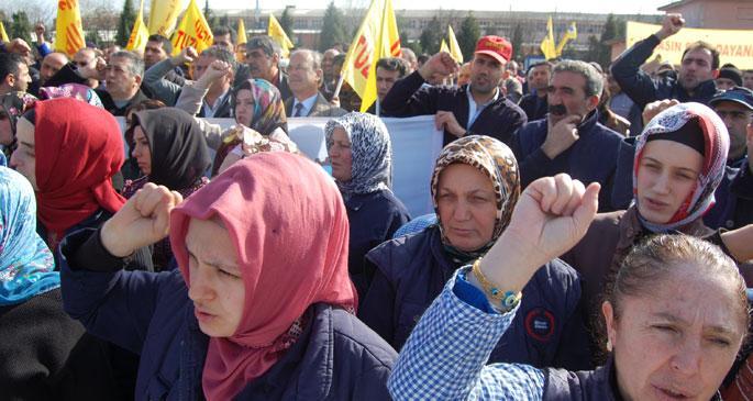 Tuzla Sanayi işçileri çıkış yolunu gösteriyor: Fiili mücadele
